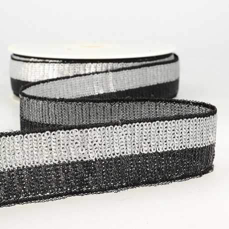 Two-tone sequin trimming tape
