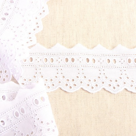 EMBROIDED INSERTION WITH EYELETS